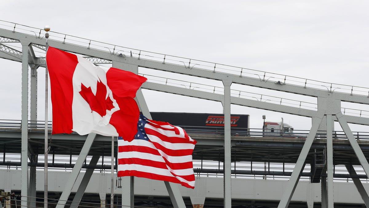 کانادا 9 آگوست مرز را به روی توریست های واکسینه شده آمریکایی باز می کند