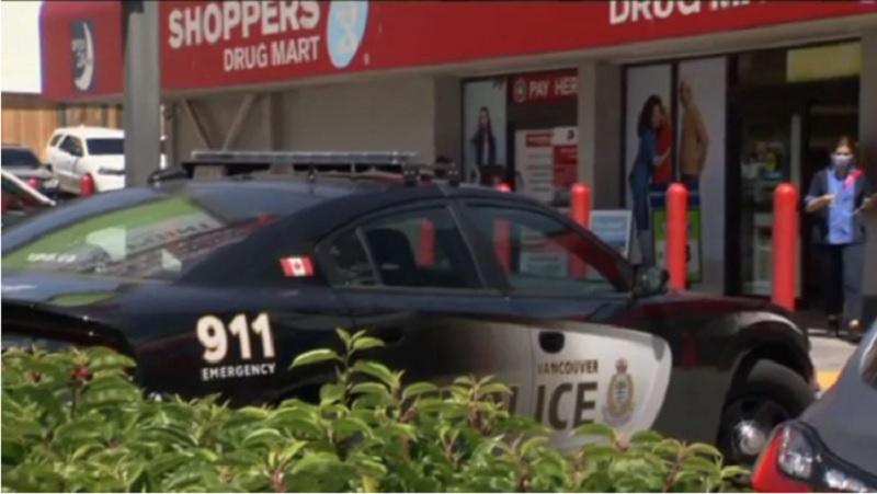 """نگهبان سوپرمارکتی در ونکوور حین تلاش برای دستگیر کردن سارق """"چندین بار"""" چاقو خورد"""