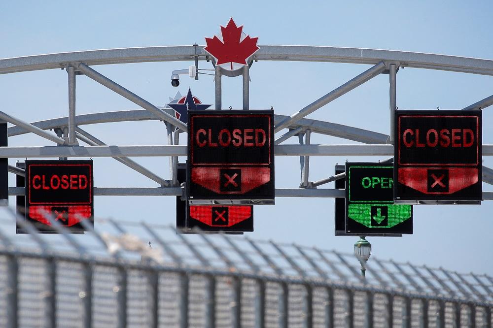رای کارکنان مرزی به اعتصاب، برنامه کانادا برای پذیرش مسافران آمریکایی را به خطر می اندازد