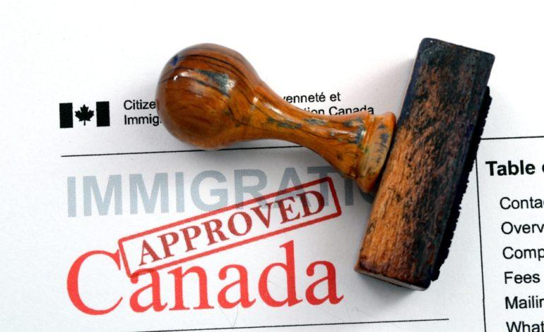 کاهش مهاجرت به کانادا، بانک مرکزی را نگران بالا رفتن دستمزدها و افزایش تورم در نیمه دوم سال کرد