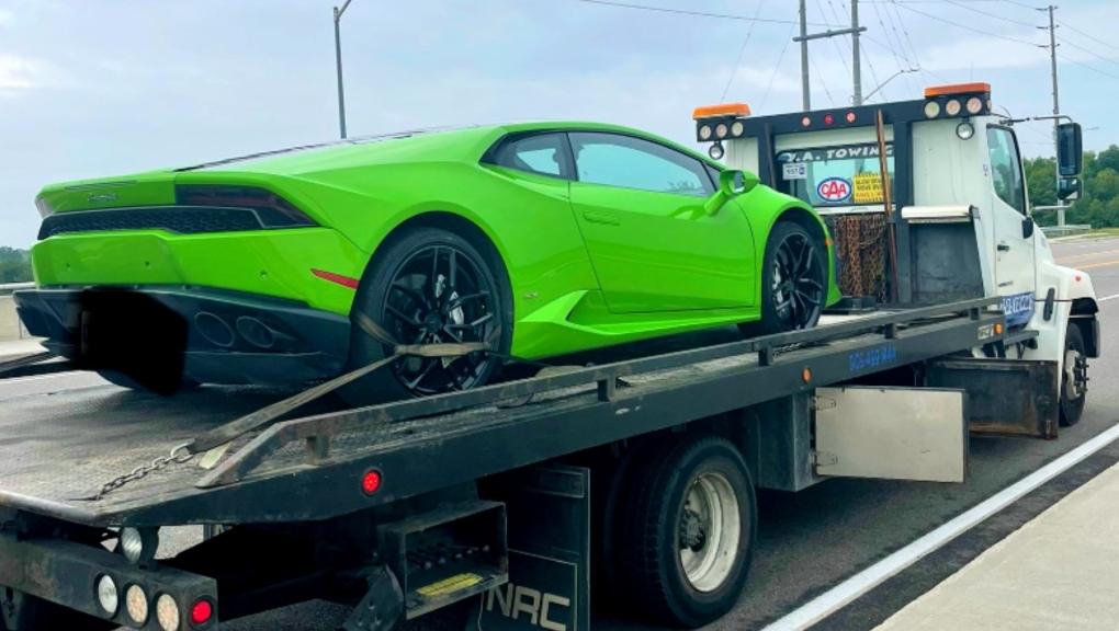 راننده انتاریویی پس از دستگیری حین انجام حرکات نمایشی مجبور به پرداخت 18000 دلار هزینه اجاره لامبورگینی شد