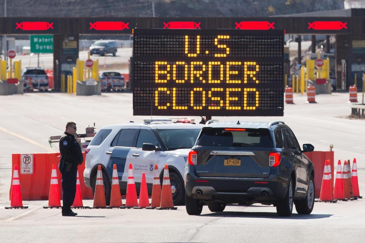 آمریکا محدودیت های سفر در مرز کانادا را برای 30 روز دیگر تمدید کرد