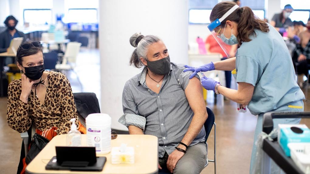 30 درصد از تورنتویی های واکسینه نشده حاضرند در ازای دریافت 100دلار  واکسن بزنند