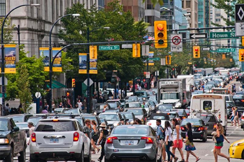افزایش تمایل کانادایی ها برای خرید خودرو و پیش بینی سنگین تر شدن ترافیک در شهرهای بزرگ